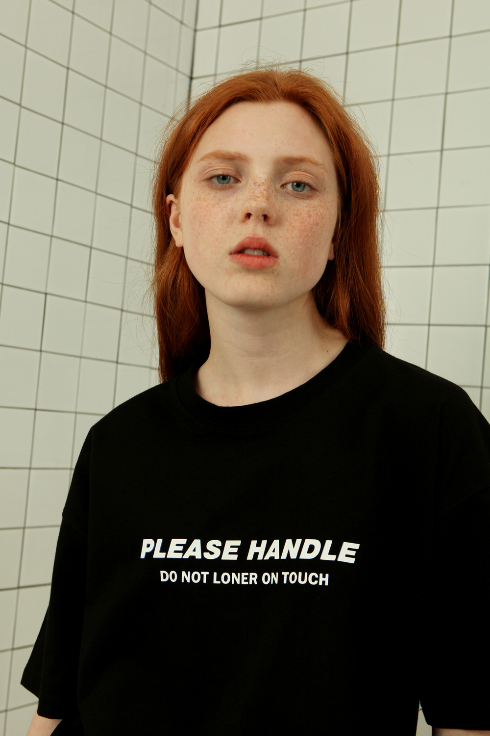 Please handle tshirt-black (기간한정 09.11 - 09.17)