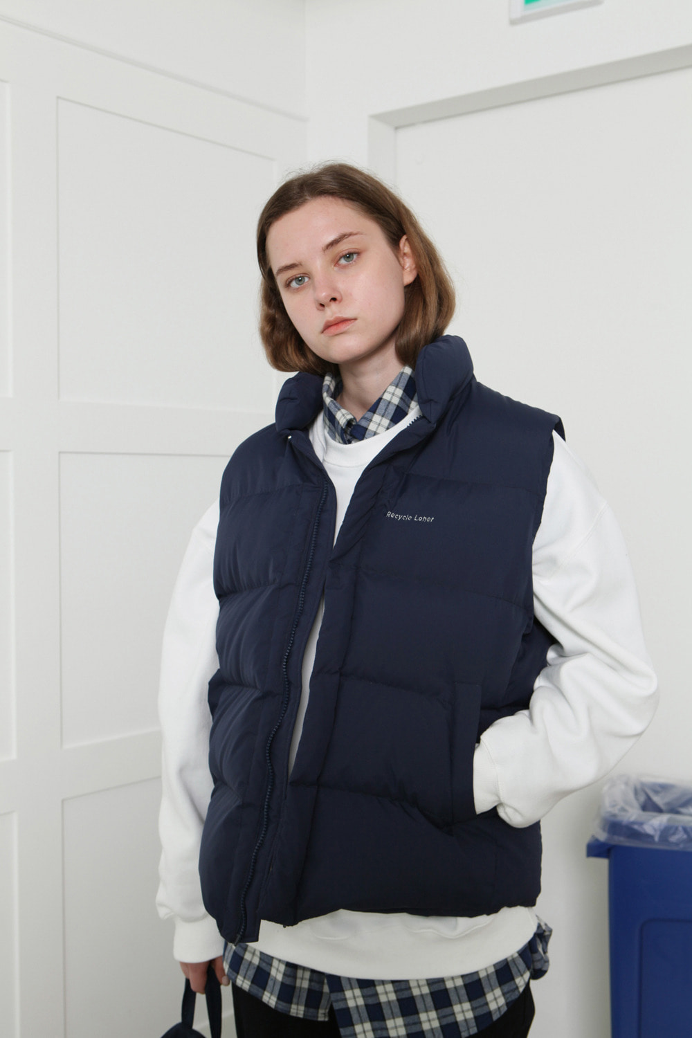 [LONER SEASON OFF SALE] Recycle vest-navy (기간한정 01.17 - 01.23)
