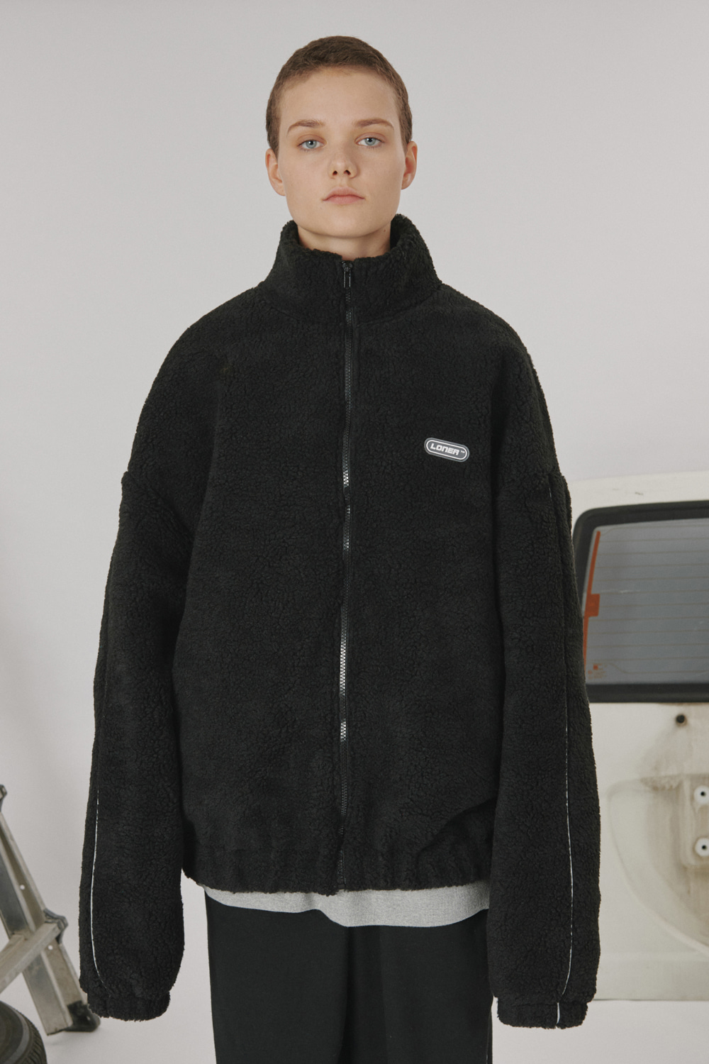 High neck fleece zipup-black