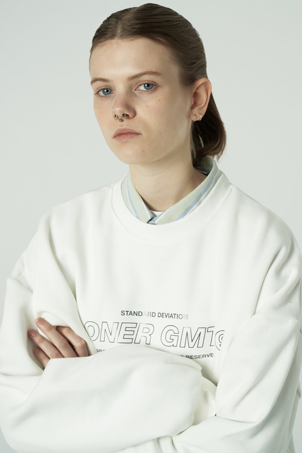 [20SS OPEN SALE][L] Center gmt line sweatshirt-white (기간한정 02.21 - 02.27)