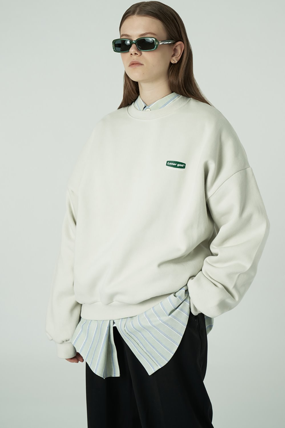 [20SS OPEN SALE][L] Small curve rectangle logo sweatshirt-light beige (기간한정 04.03 - 04.09)