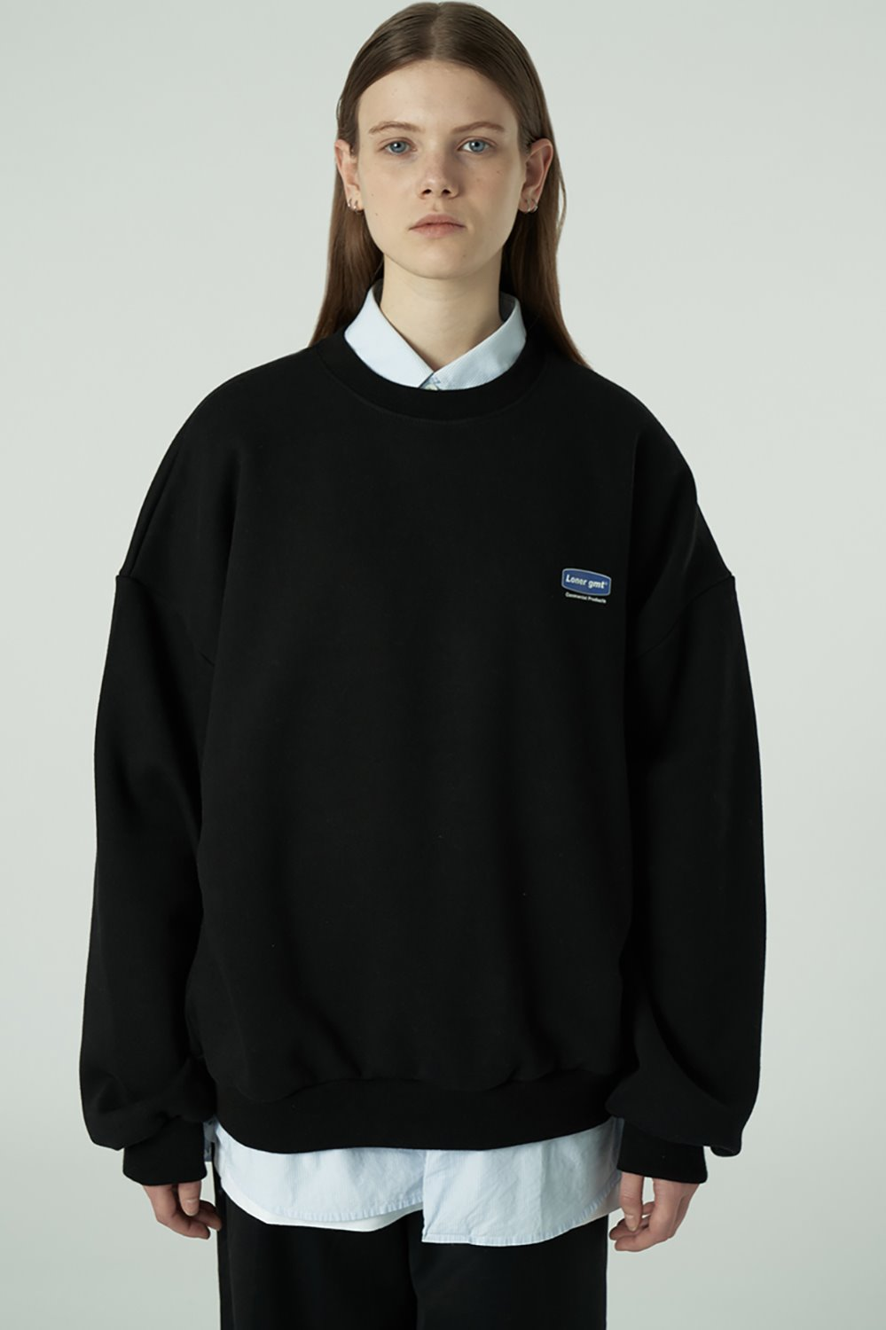 [20SS OPEN SALE][L] Small curve rectangle logo sweatshirt-black (기간한정 02.21 - 02.27)