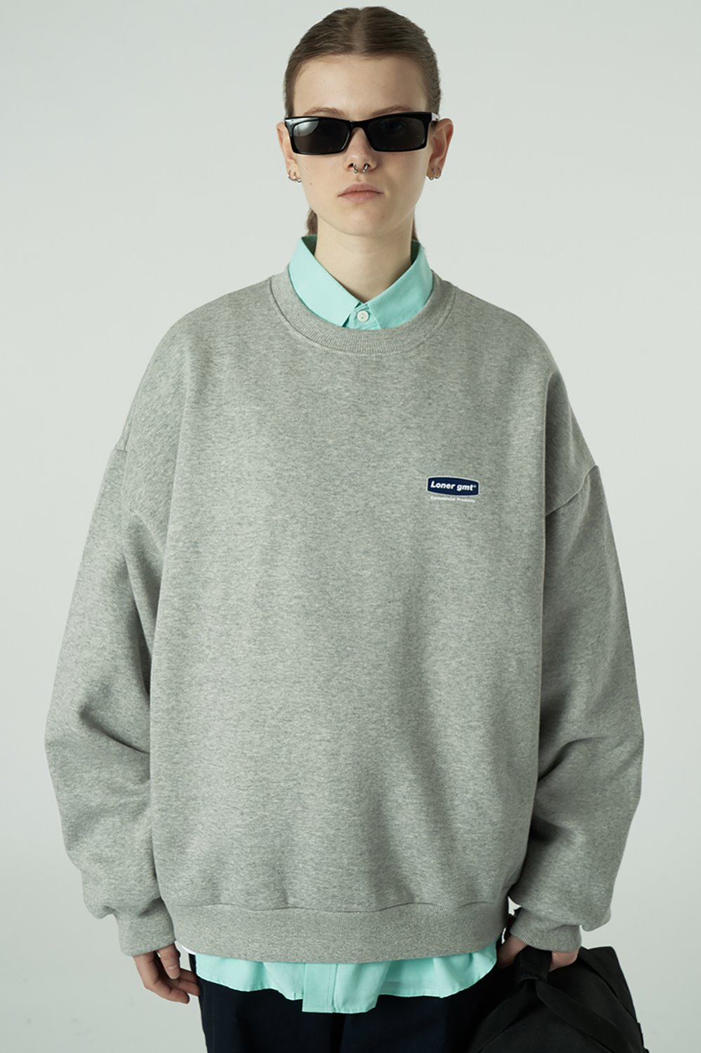 [20SS OPEN SALE][L] Small curve rectangle logo sweatshirt-grey (기간한정 04.03 - 04.09)