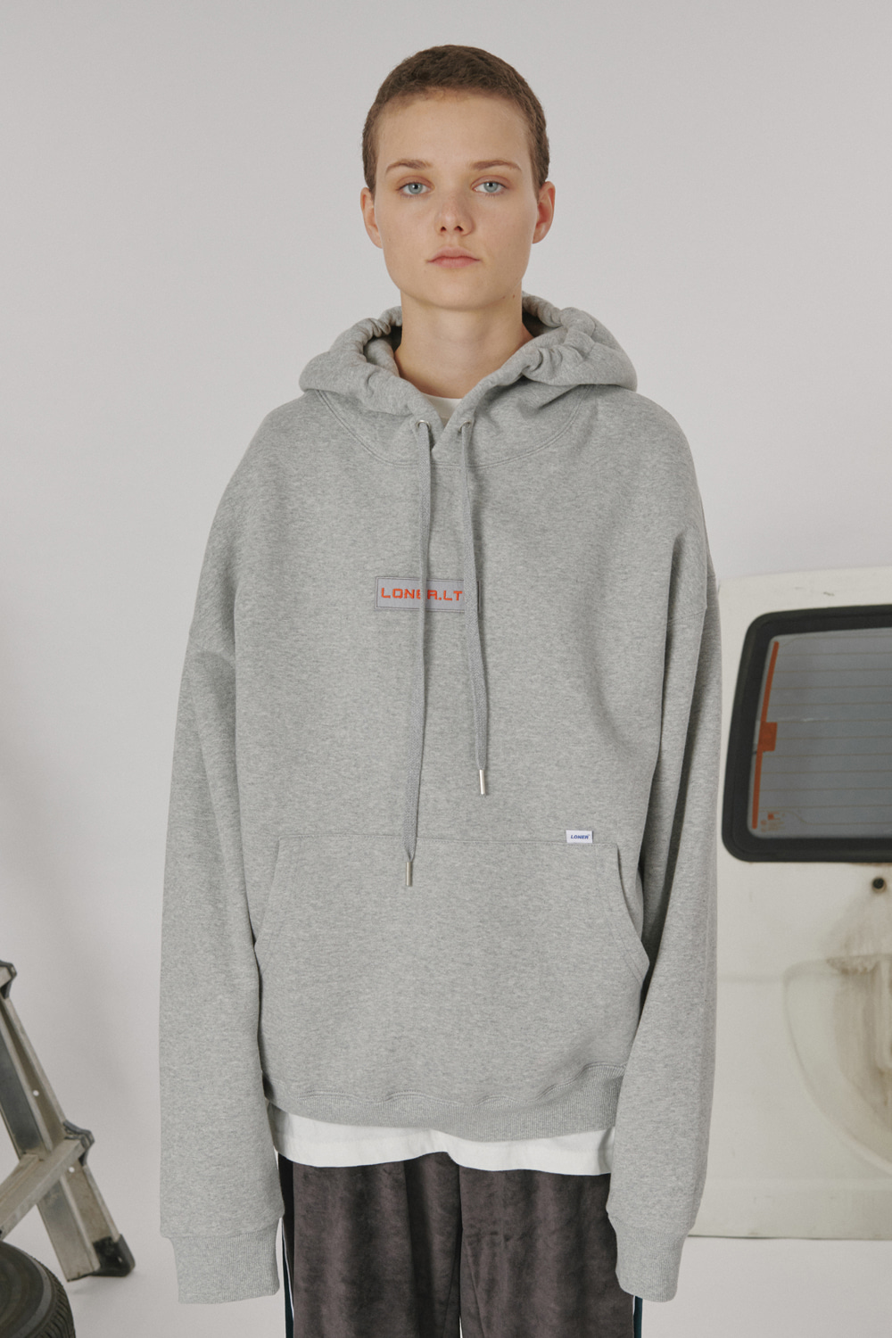 [LONER SEASON OFF SALE] Patch logo hoodie_gray (기간한정 01.17 - 01.23)